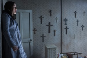 The_Conjuring_2_The_Enfield_Poltergeist_1_farmiga