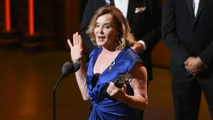 """Jessica Lange accepts the award for leading actress in a play for """"Long Day's Journey into Night"""" at the Tony Awards at the Beacon Theatre on Sunday, June 12, 2016, in New York. (Photo by Evan Agostini/Invision/AP)"""